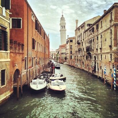 swim-its-the-cops.-venice-venezia-italy