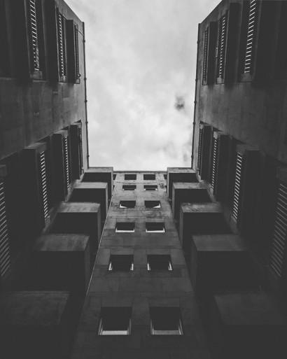 looking-up.-lookingup-buildings-antwerp-antwerpen-anvers-amberes-zotvana-visitantwerp-thisisantwerp-